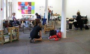 Reparationsworkshop på udstillingen Extreme Craft, Freies Museum, Berlin 2012