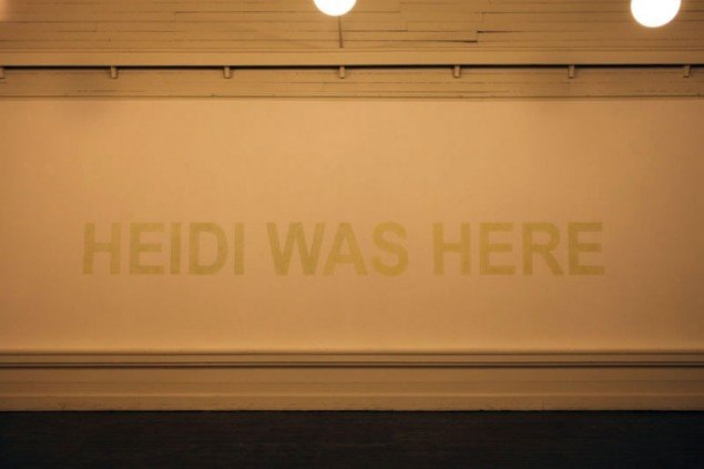 Heidi Hove, HEIDI WAS HERE, Luminous paint, 2011. (Pressefoto)