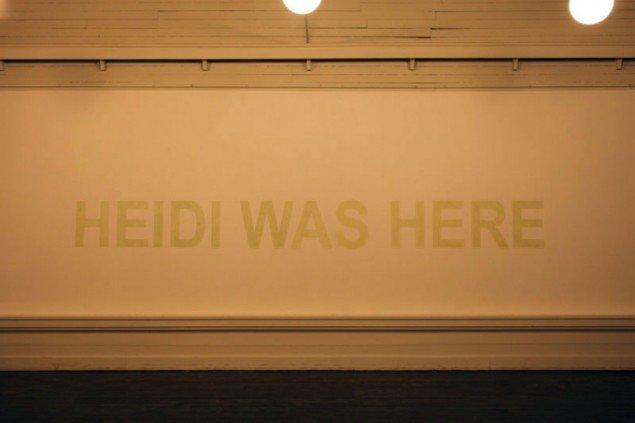 Heidi Hove, HEIDI WAS HERE, Luminous paint, 2011. (Pressefoto)