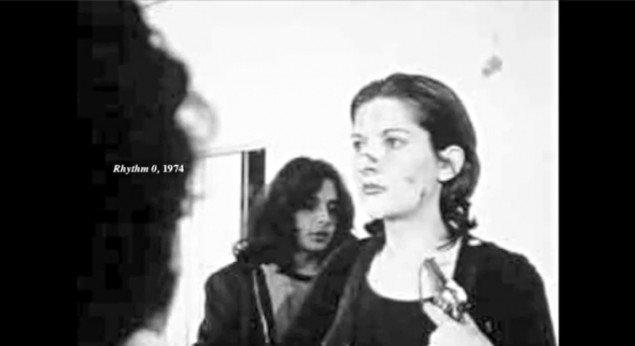 Marina Abramovic: Rythm 0, 1974, Napoli. (screen grab, YouTube)