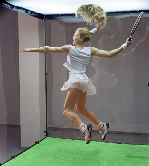 Oleg Kulik (RUS): Tennis Player (fra serien Museum of Nature), 2002. (Pressefoto)