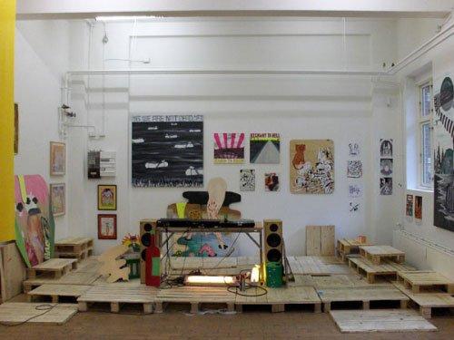 Installationsview, dj-pult