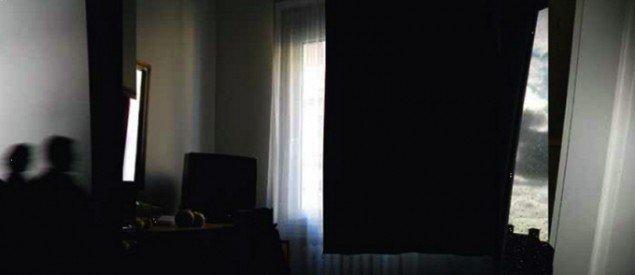 Blink (2011) er en fotokollage af 'oversete' dele udenfor en række fotografiers oprindelige motiver. (Pressefoto)