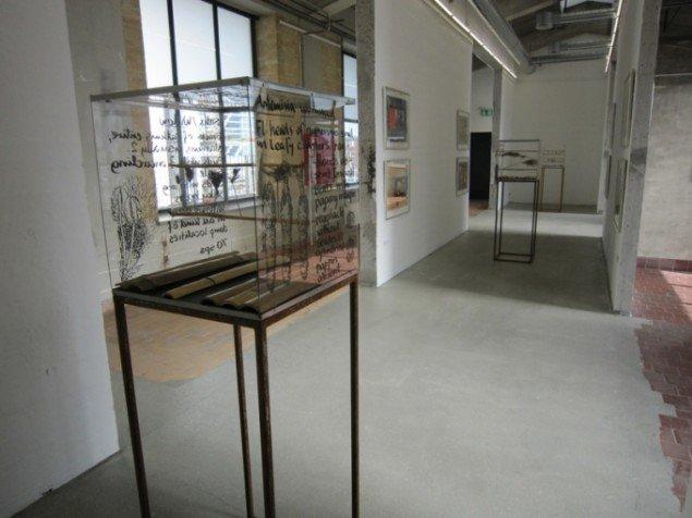 Steen Rasmussen. Indespærret i kuben trasnsparens 2007, 2011. Foto: Kunsthal Nord.