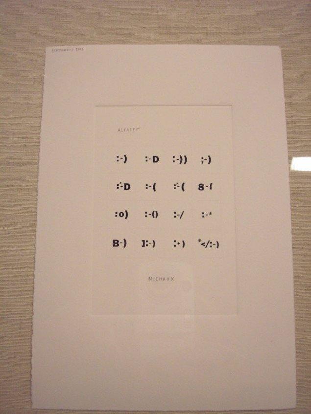 Christian Vind, 'Alfabet Michaux', udvalg af 117 hvidpapirfeber boxsæt, 2007. Mixed media 10x15cm. Foto: Pernille Bøttcher.