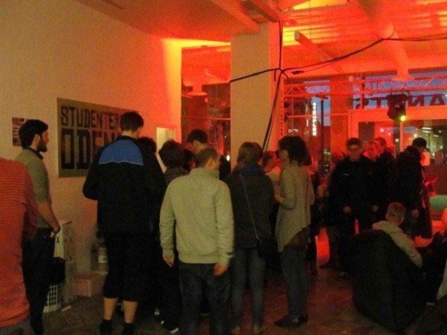 Arrangementet Torsdags Lounge tiltræk mange unge fra byens universitet. Foto: Torben Eskerod