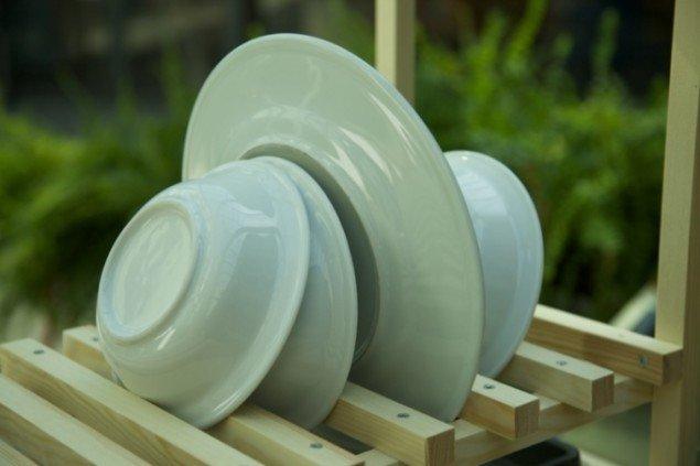 Nis Rømer. Detalje fra installation: Integration af opvaskesystem og plantevanding. Pressefoto. Pressefoto.