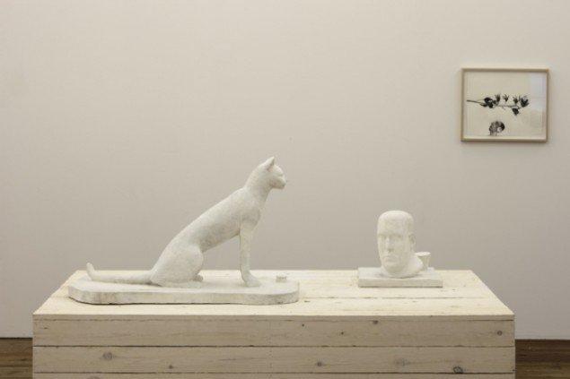 Installationsview, Tavshedens tableaux. Foto: Torben Eskerod.