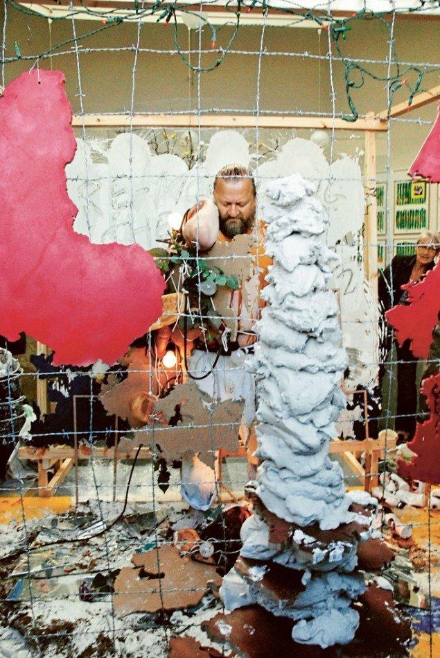 Bjørn Nørgaard: Re-modelling the World again again again, 2007, i forbindelse med Nørgaards store udstilling på Statens Museum for Kunst i 2010. (Foto: York Wegerhoff, SMK)