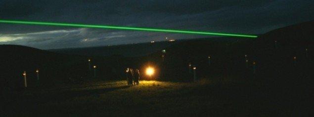 Lysstrålen ses her fra Samsø. Foto: Steen Stuhr.