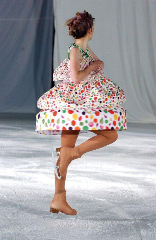 "2005 SS, Ice Bowl, London Fashion Week, ""Tonya"" foto: Design Museum Danmark"