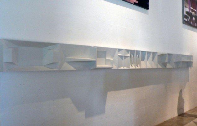 Frisen er en tredimensionel gengivelse af de arkitektoniske detaljestudier og produceret til udstillingen. Foto: Lea Kirstine Møller.