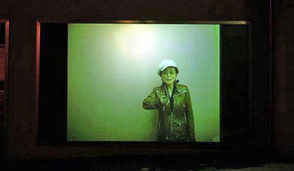 Onochord af Yoko Ono hos Senko Frame Project, marts 2006. Foto: Hans Henrik Jacobsen.