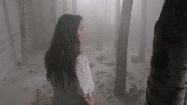 Astrid Kruse Jensen: The House Inside Her, stillbillede fra kortfilmen skabt i samarbejde med filminstruktør Pernille Rose Grønkjær, 2011.