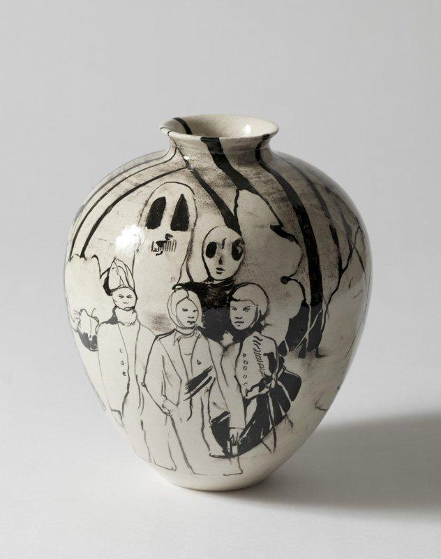 Cathrine Raben Davidsen: The Dream, 2011, glaseret keramik. Foto: Anders Sune Berg.