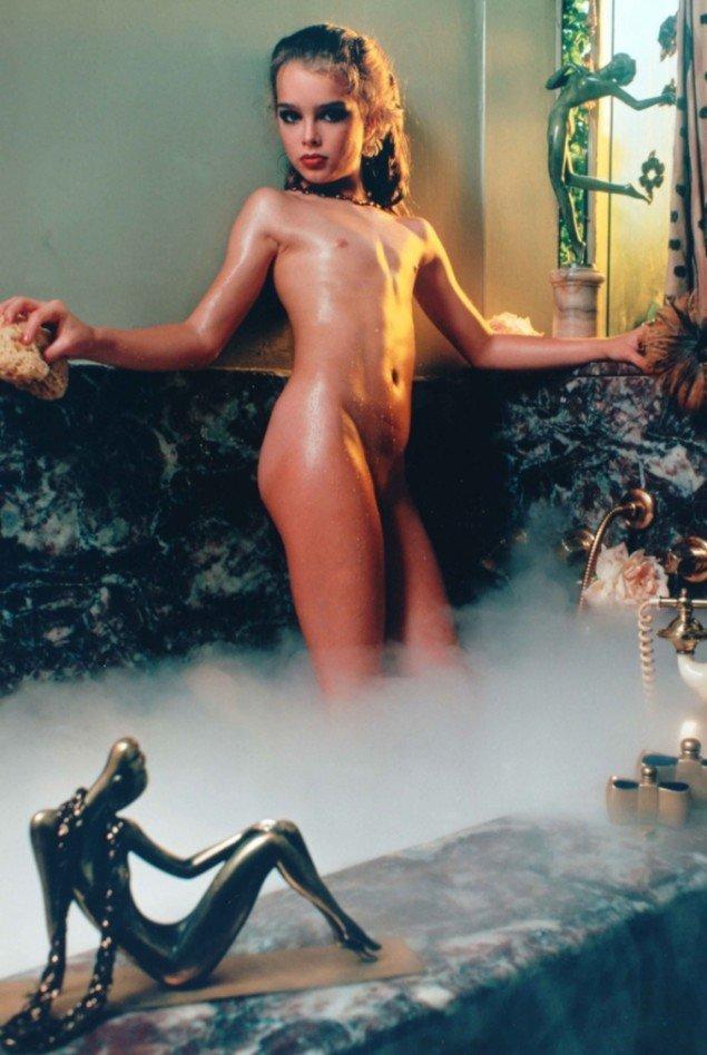 Untitled 1975. Foto: Garry Gross. Brook Shields i filmen Pretty Baby. Nøgenbilledet er fortsat i omløb fordi hendes mor gav rettighederne til fotografen. Brook Shields kæmper fortsat for at få rettighederne tilbage.