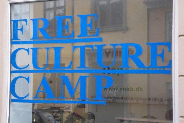 Free Culture Camp, arrangeret af Lise Skou og Nis Rømer i rum 46, Århus. Foto: Barbara Kazin.