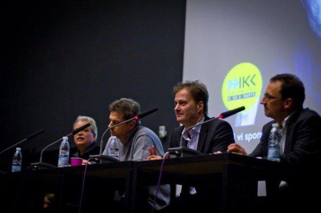 Debatpanelet bestående af: Peter Duelund, Claus Ladegaard, Morten Hesseldahl og Knud Romer. (Foto: Aske Birkelund Erbs)