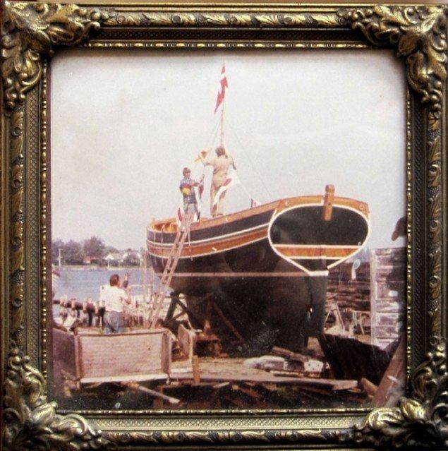 Mie Olise: Den Tavse Station. Espen Arnakke ship, 2011, lånt fotografi fra 1978.(Pressefoto)