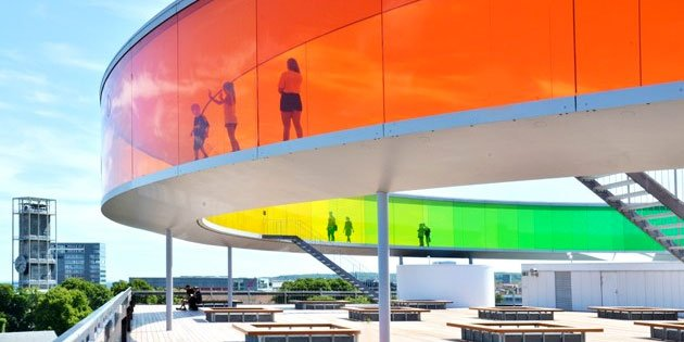 Regenbuen på toppen af ARoS er hurtigt blevet et af landets mest kendte og besøgte kunstværker. Foto: ARoS