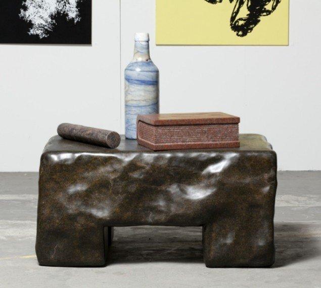Poul Isbak: Polycrom, granitskulptur. Foto: Anders Sune Berg.