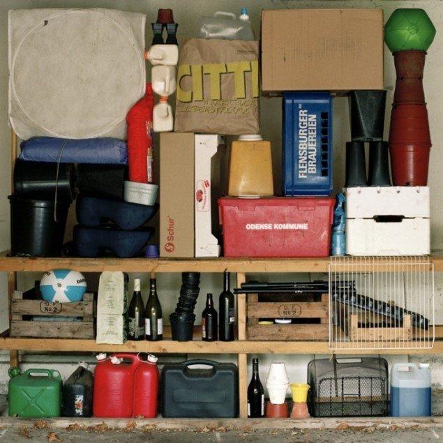 2 x 2 metres of garage objects, 2010. Pressefoto.
