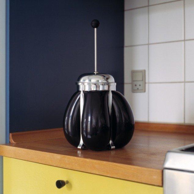 Balloon in coffee press, 2012. Pressefoto.