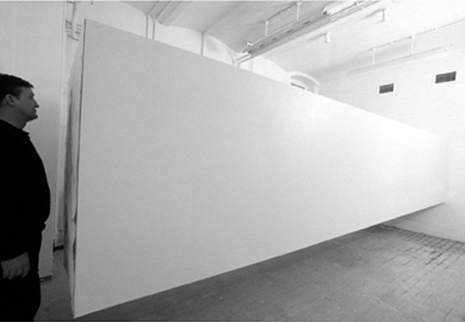 Obstruction Painting, London 2001. Pressefoto.