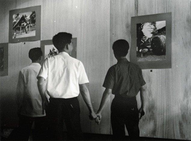 Cultural Boys, Saigon, 1962, fra installationen Good Life på Isabella Bortolozzi Galerie, Berlin, 2007. Courtesy Danh Vo and Galerie Isabella Bortolozzi, Berlin.