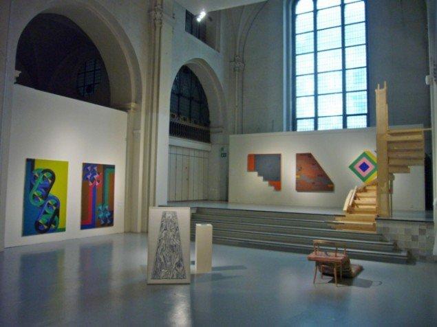 Installationsview med værker af Aliaksandr Marchuk, Jonas Jensen, Astrid Marie Christensen og Eva Hjorth. (Foto: KUNSTEN.NU)