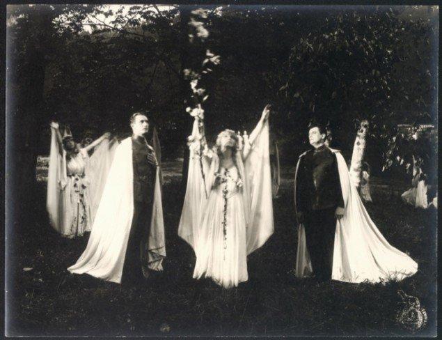 Still fra den danske science-fiction stumfilm: Himmelskibet, 1918. Instrueret af Holger-Madsen. Pressefoto.