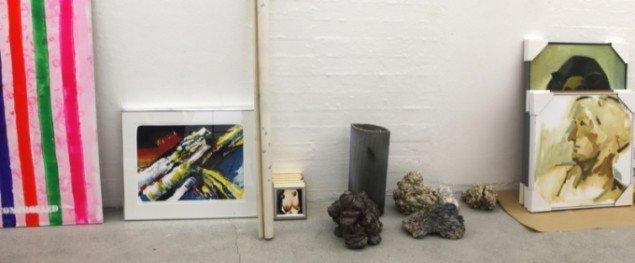 Indleverede værker til Tilstedeværelse og/eller Fraværelse- Foto: Niels Fabæk.