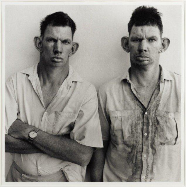 Roger Ballen Dresie and Casie, Twins, Western Transvaal, 1993. Pressefoto.
