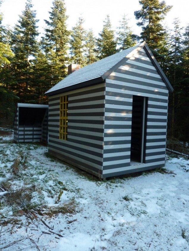Naturrum Skovsnogen. Thoreau's hytte er en parafrase over selvbyggerhytten i Henry David Thoreau's litterære klassiker: Livet i skoven. Foto: Skovsnogen