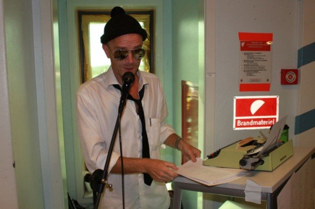 Poetperformeren Henrik GiverZen. Erik B. Duckert.