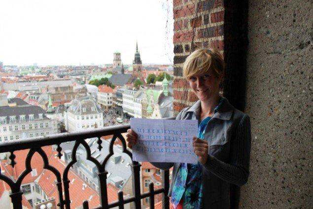 Lisa Harlev i tårnet på Nikolaj Kunsthal. Foto: Erik B. Duckert.