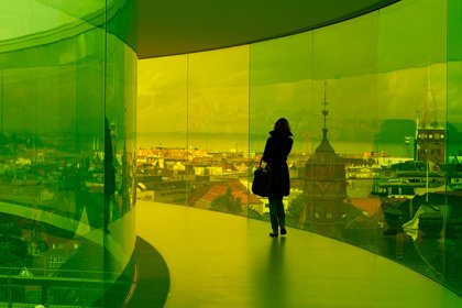 Your rainbow panorama, 2006-2011, Olafur Eliasson. ARoS Aarhus Kunstmuseum, Denmark. Foto: Studio Olafur Eliasson. © 2006-2011 Olafur Eliasson.