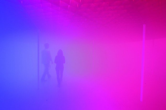Your atmospheric colour atlas, 2009, Olafur Eliasson. Installation view at 21st Century Museum of Contemporary Art, Kanazawa. Foto: Studio Olafur Eliasson. Courtesy of Aros Aarhus Kunstmuseum, Denmark.