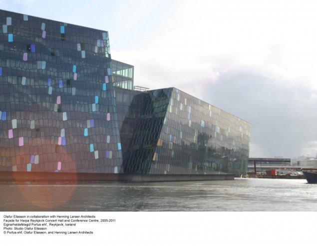 Facade for Harpa Reykjavik Concert Hall and Conferencecenter, 2005-2011, Olafur Eliasson i samarbejde med Henning Larsen Architects. Foto: Studio Olafur Eliasson.