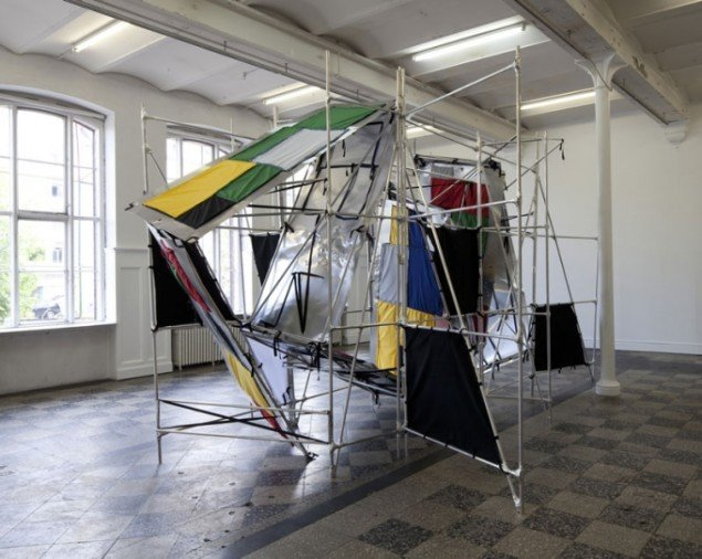 Deus Ex Machina, 2012. Installationview. (Foto: Anders Sune Berg) © Isabella Bortolozzi Galerie