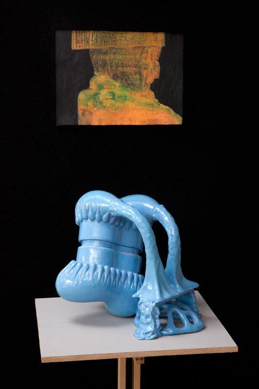 Uden titel, Cai-Ulrich von Platen, akvarel og La-la-la-la.La-la-la-lay, Per Ahlmann, keramisk skulptur, 2008. Pressefoto