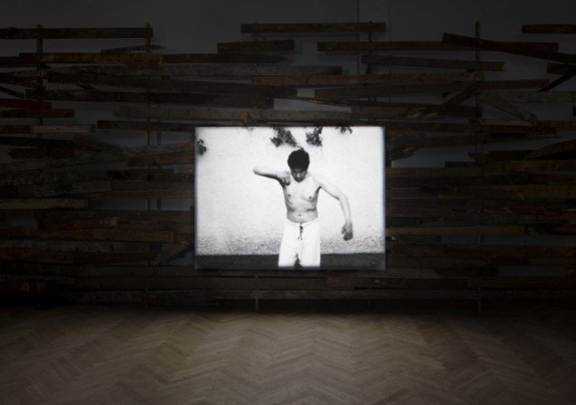 Joachim Koester: Maybe One Must Begin with Some Particular Places, 2012. Installationsfoto. (Foto: Anders Sune Berg)
