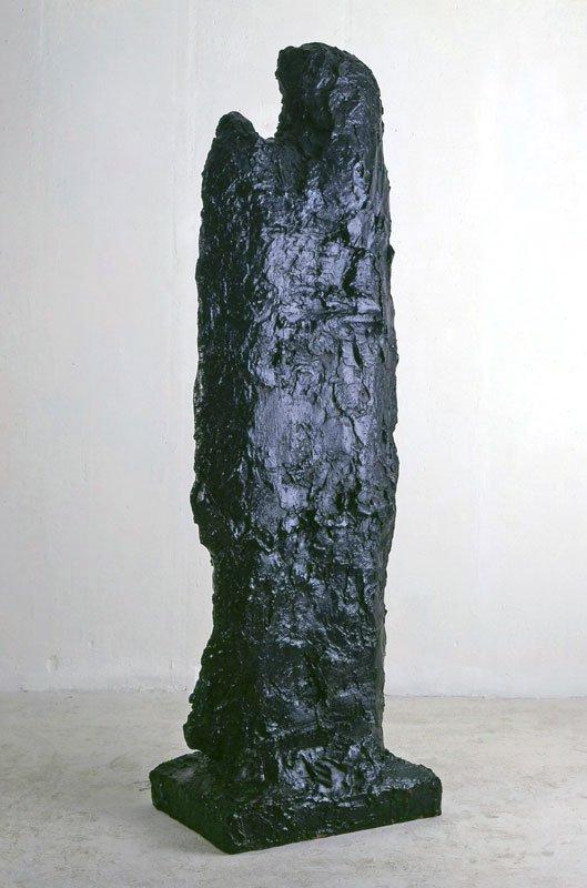Per Kirkeby Figur, 1983, bronze, 211 x 49 x 68 cm, (© Galerie Michael Werner)