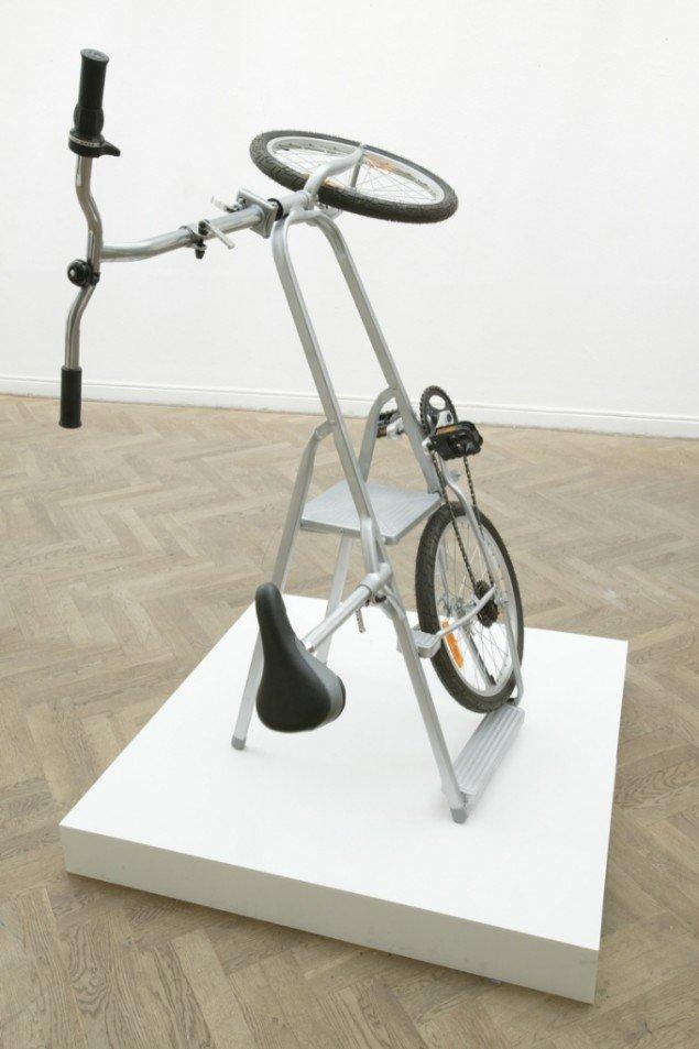 Ladder Bike / Bike Ladder (made in China/ remade in Denmark), 2007, Exit Gl.Strand. Materialer: cykel og stige. Foto: Anders Sune Berg.
