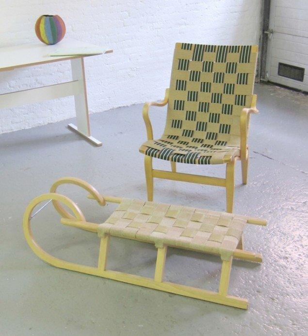 Eva Toboggan Ottoman, 2011, A Chair is stilll a Chair, but a rom is not a House, Ringsted galleriet. Materialer: Bruno Mathsson stol Eva og en kælk. Foto: Morten Steen Hebsgaard.