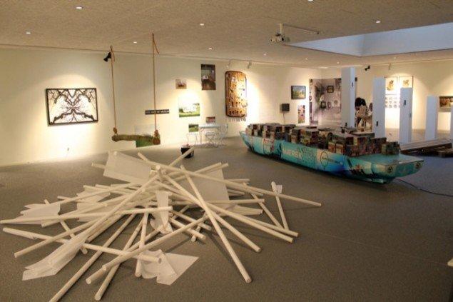 Udstillingsview fra Local Heroes på Vestjyllands Kunstpavillon. Pressefoto