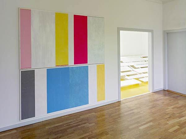 Michael Mørk: Closet 2007. Akryl på lærred. 240x 200 cm.Foto: Torben Eskerod.