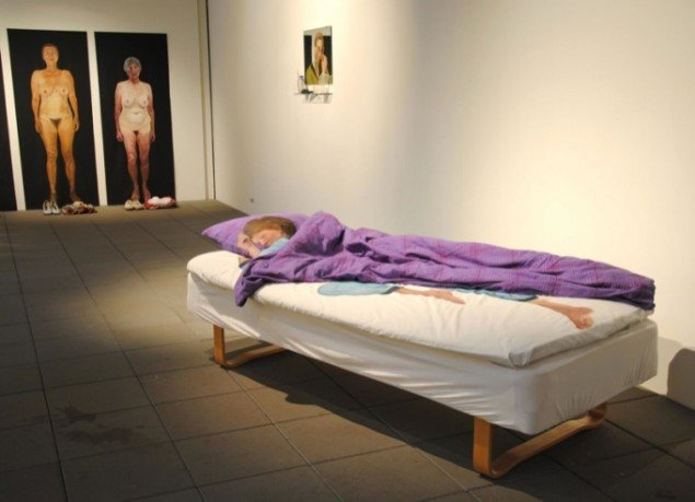 Kirsten Schauser, Grete - sovende, 2011. Pressefoto.
