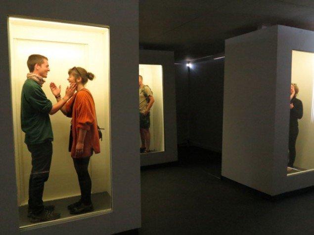 Den performative kunst er et tydeligt eksempel på samtidskunstens erfarende subjekt. Einat Amir: Enough about you (2012), Roskilde Festivalen. (Foto: Jenny Selldén)