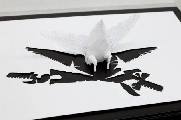 Nærbillede af Peter Callesen: The Dying Swan II. Foto: Erling Jeppesen